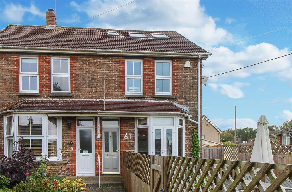 4 Bedrooms Semi Detached House for sale in Sussex Road, Haywards Heath
