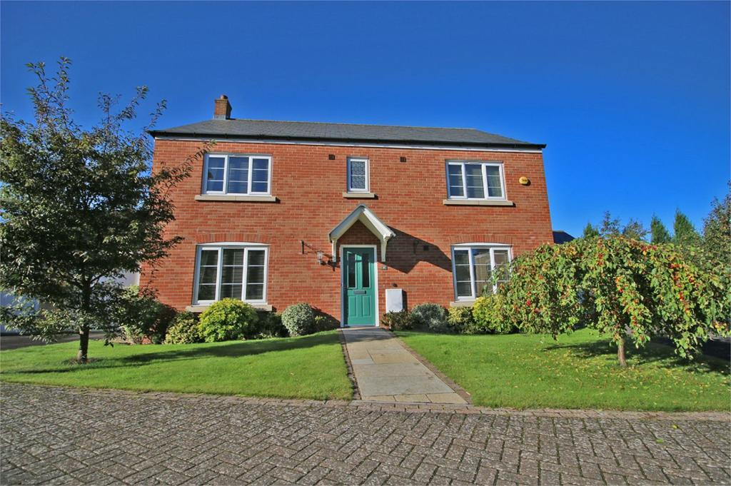 4 Bedrooms Detached House for sale in Midnight Court, Cheltenham