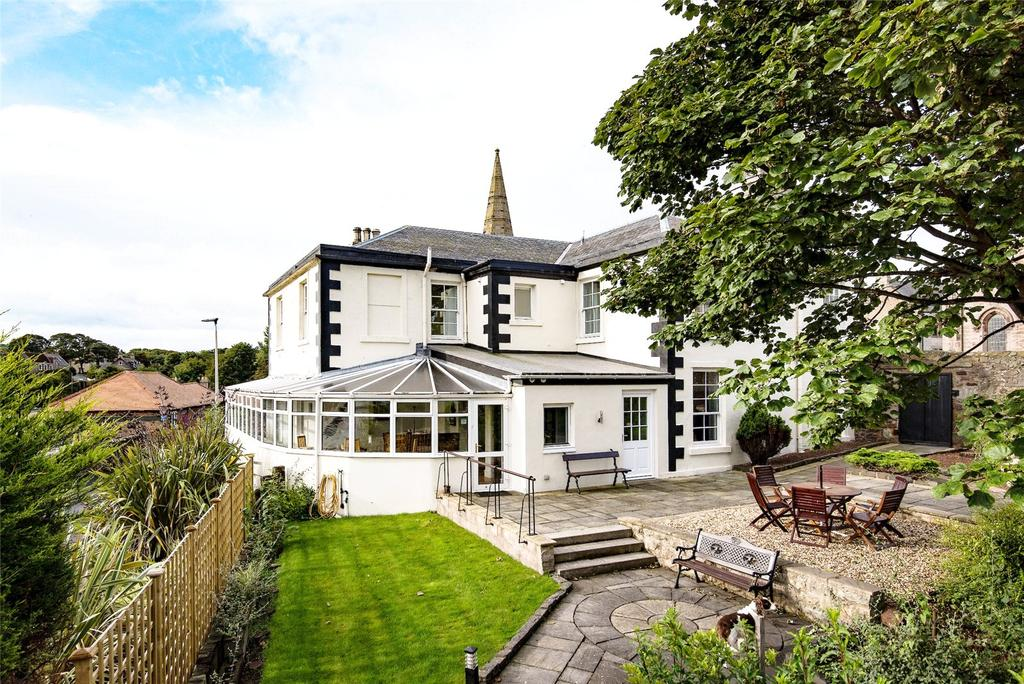 7 Bedrooms Detached House for sale in Glenerne Guest House, Albert Road, Eyemouth, Berwickshire