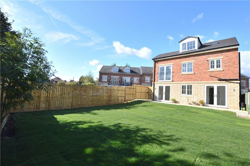 3 Bedrooms Detached House for sale in Meadowfield Rise, Stanley, Wakefield, West Yorkshire