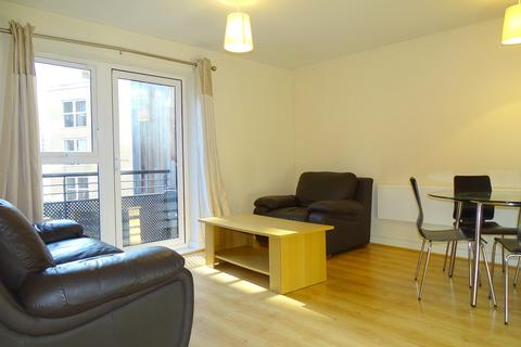 1 bedroom flat to rent - Langtry Court, Lanadron Close, Isleworth, Middlesex, TW7