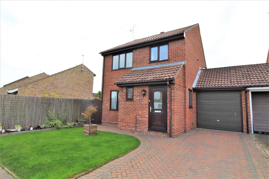 3 Bedrooms Link Detached House for sale in Peter Bruff Avenue, Clacton-On-Sea