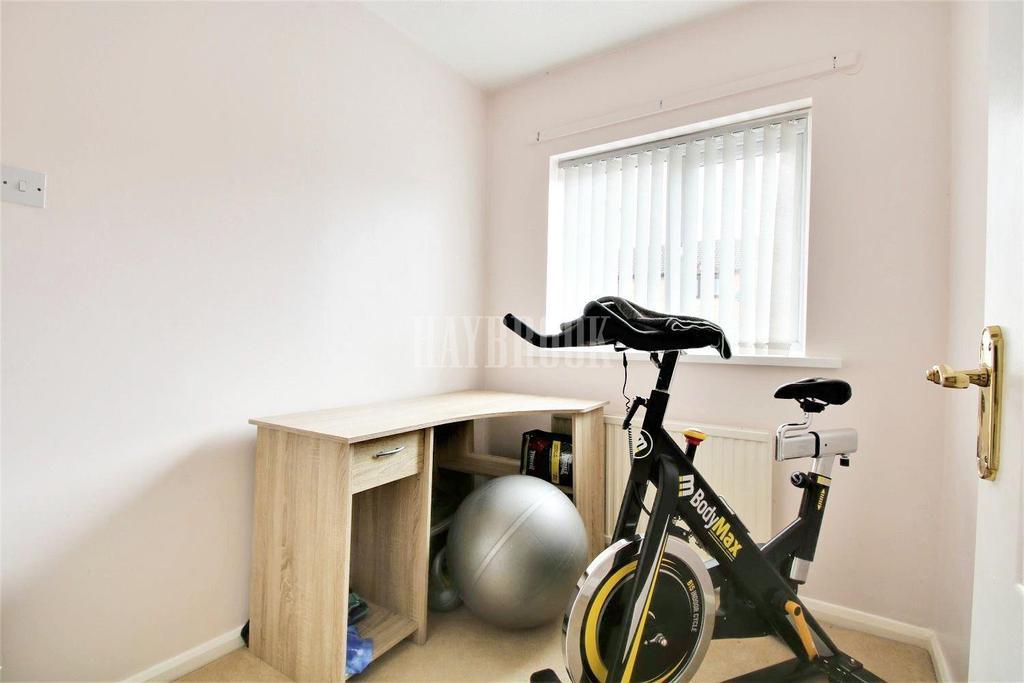 4 Bedrooms Semi Detached House for sale in Hazelwood Drive, Swinton