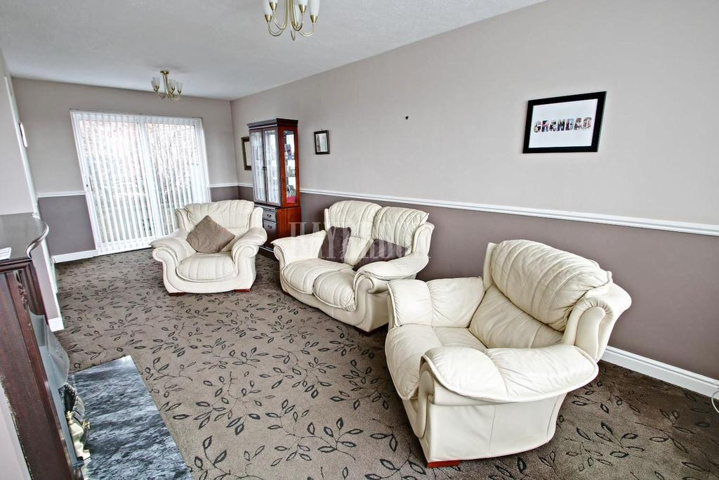 3 Bedrooms Semi Detached House for sale in South Road, Kimberworth