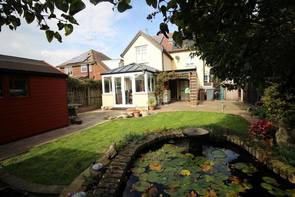 5 Bedrooms Detached House for sale in Cobbold Road