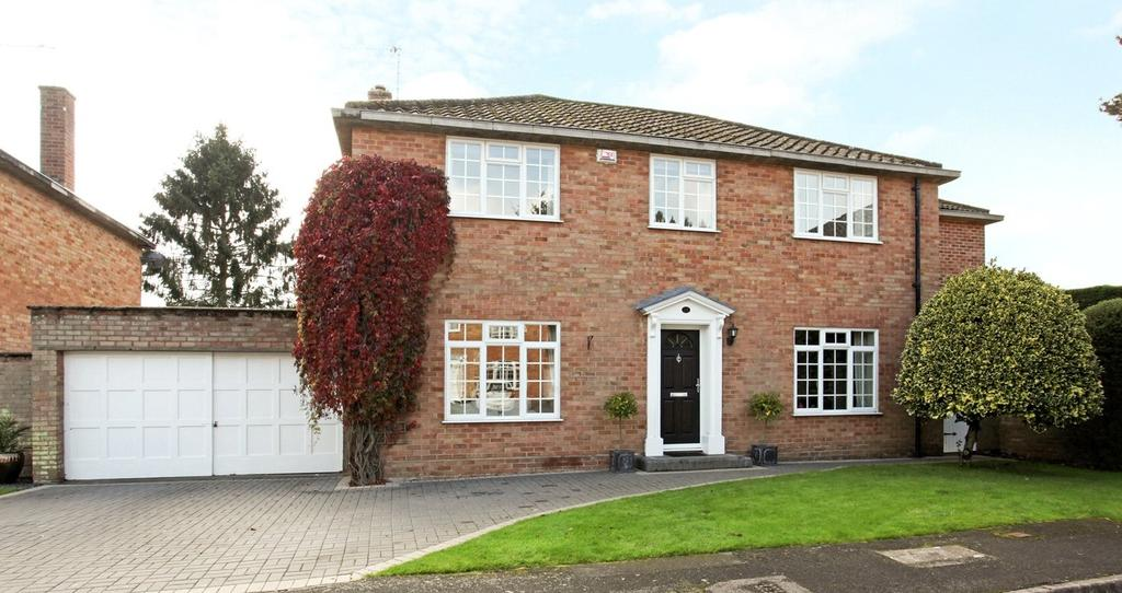 4 Bedrooms Detached House for sale in Beauforts, Englefield Green, Egham, Surrey, TW20