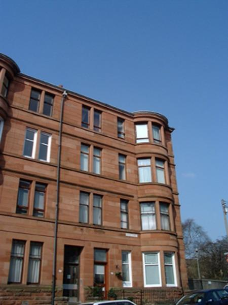 2 Bedrooms Flat for rent in Tassie Street, Shawlands, Glasgow