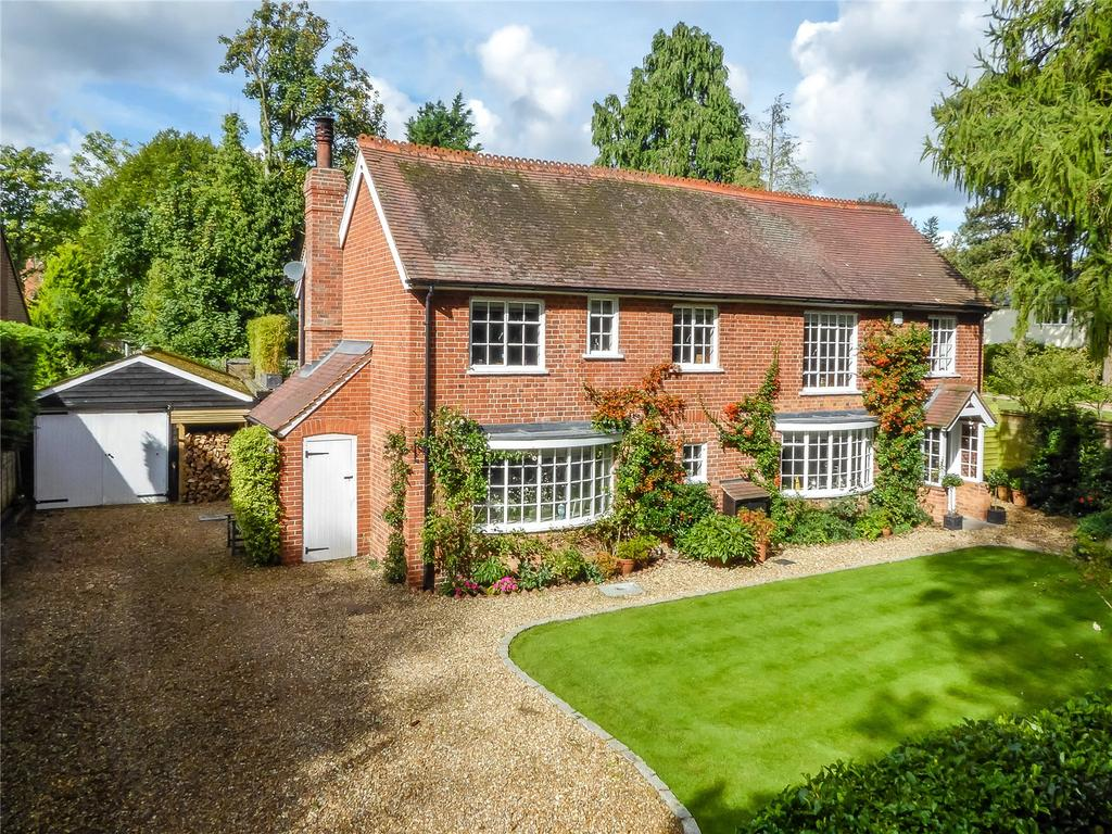 5 Bedrooms Detached House for sale in Mill Road, Shiplake, Henley-on-Thames, Oxfordshire, RG9