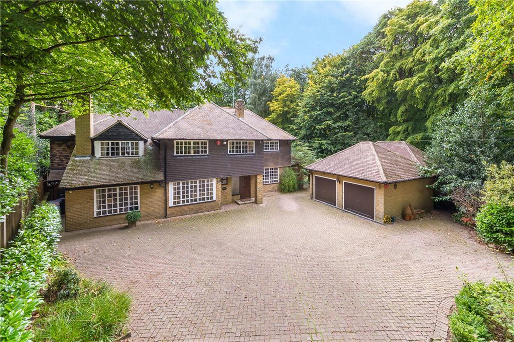 4 Bedrooms Detached House for sale in Desborough Drive, Tewin, Welwyn, Hertfordshire