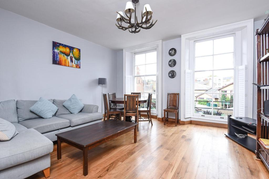 3 Bedrooms Flat for sale in Harleyford Road, Kennington
