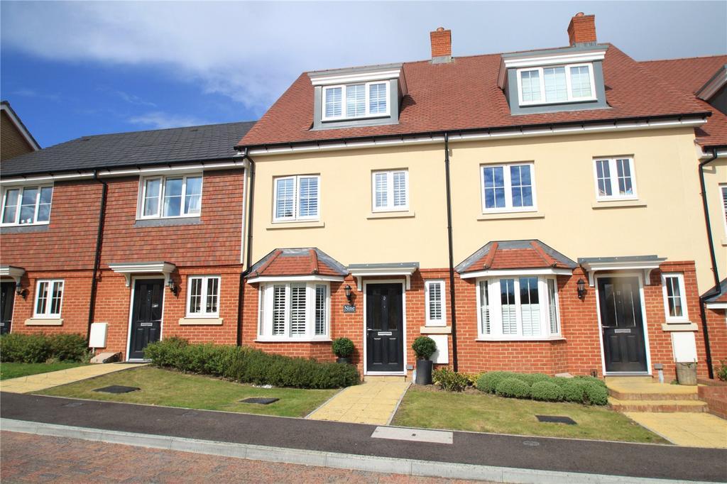 4 Bedrooms Terraced House for sale in Hazelbourne Avenue, Borough Green, Sevenoaks, Kent