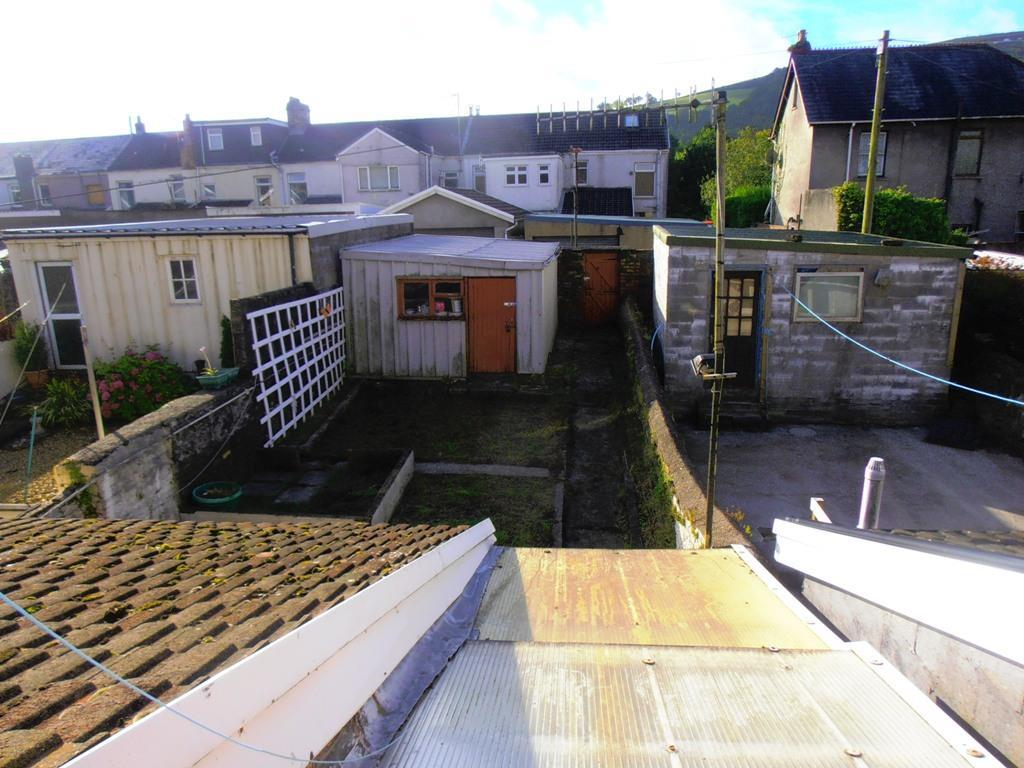 3 Bedrooms Semi Detached House for sale in Maelgwyn Terrace, Gadlys, Aberdare