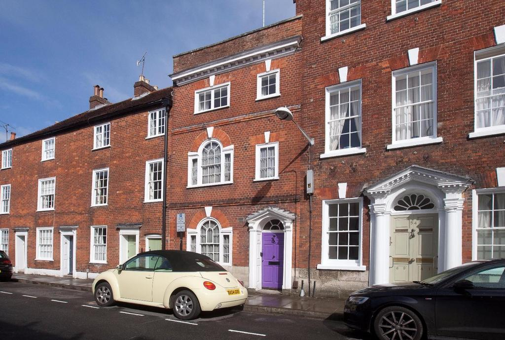 4 Bedrooms House for sale in Endless Street, Salisbury