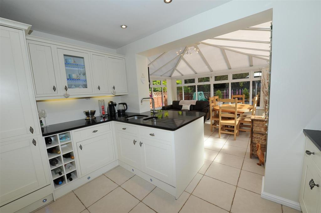 2 Bedrooms Semi Detached House for sale in Brompton Court, Brompton On Swale, Richmond