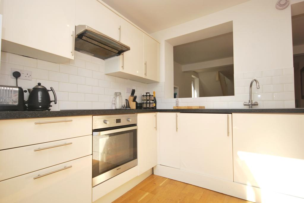 1 Bedroom Flat for sale in Melbourne Grove East Dulwich SE22