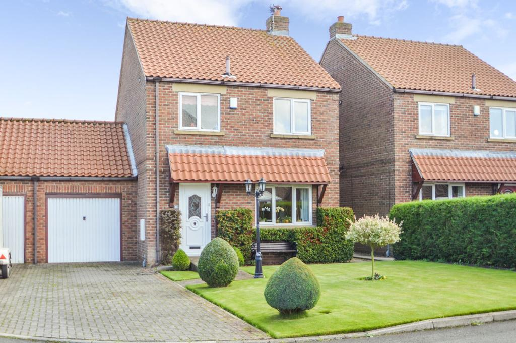 3 Bedrooms Link Detached House for sale in Sycamore Grove, Sherburn, Malton YO17