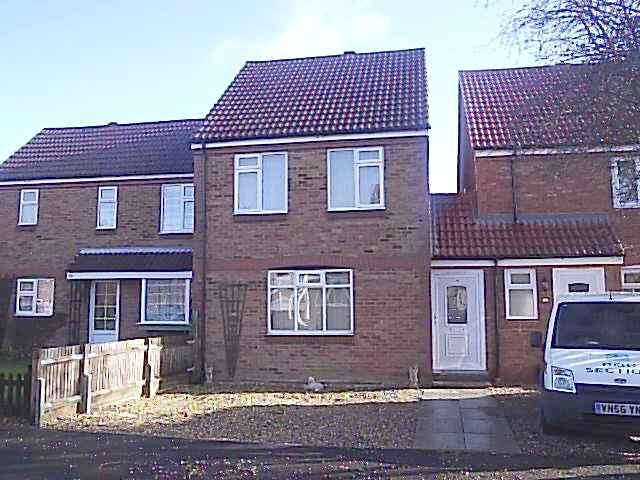 3 Bedrooms Link Detached House for sale in Ennerdale Road, Rushden NN10