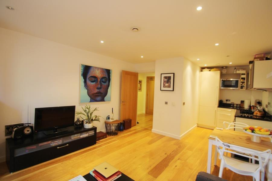 1 Bedroom Apartment Flat for sale in WATERMANS PLACE, GRANARY WHARF, LEEDS, LS1 4GN