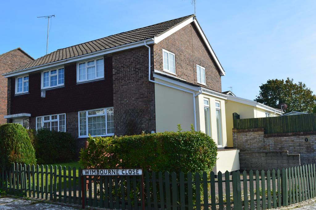 3 Bedrooms Semi Detached House for sale in Wimbourne Close, Llantwit Major CF61