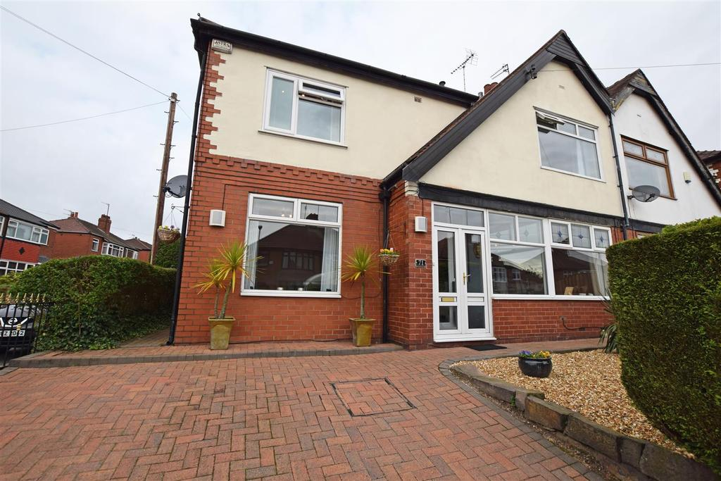 4 Bedrooms Semi Detached House for sale in Springfield Road, Middleton, Manchester