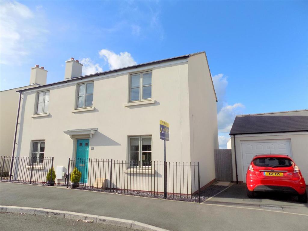 4 Bedrooms House for sale in Pen Y Graig, Llandarcy, Neath