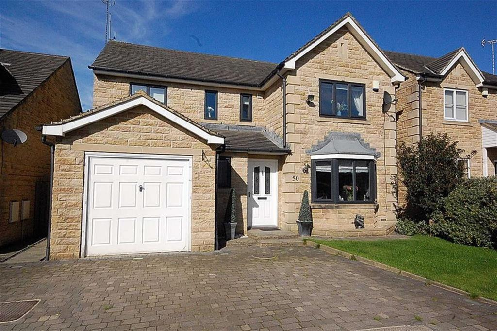 4 Bedrooms Detached House for sale in Old Earth, Elland, HX5