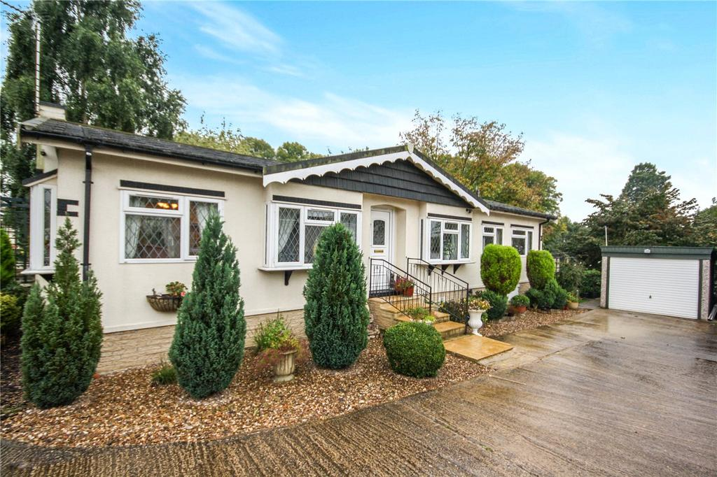 3 Bedrooms Detached Bungalow for sale in Westgate Park, Sleaford, Lincolnshire, NG34