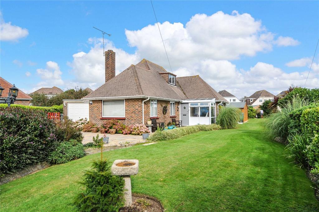 3 Bedrooms Detached Bungalow for sale in Beachside Close, Goring-by-Sea, Worthing, West Sussex, BN12