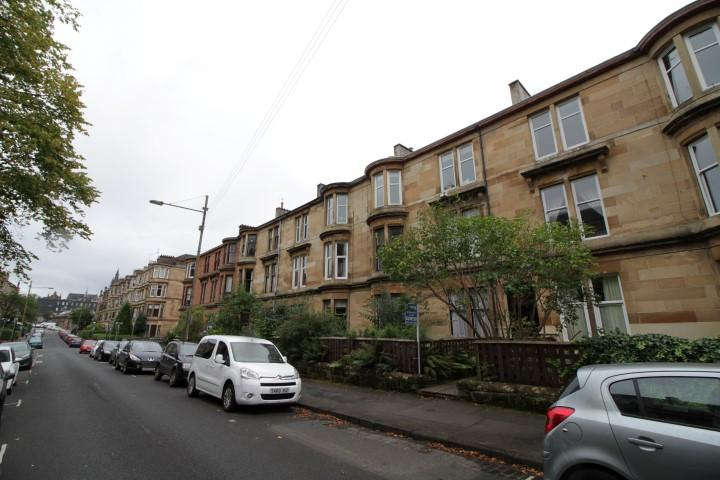 2 Bedrooms Flat for sale in 21 Lawrence Street, Dowanhill, G11 5HF