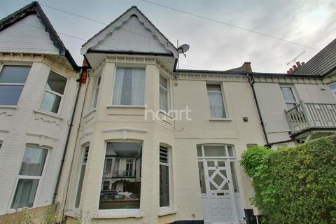 2 bedroom flat for sale - Cranley Road, Westcliff on Sea
