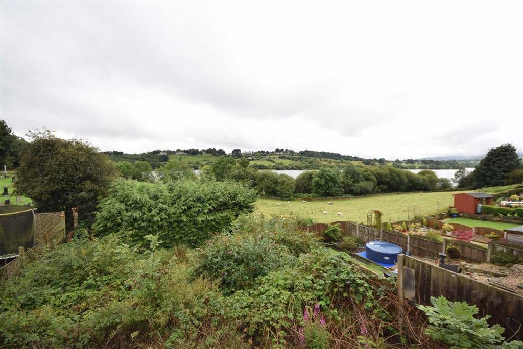 2 Bedrooms Semi Detached House for sale in Burwains Avenue, Foulridge, Lancashire