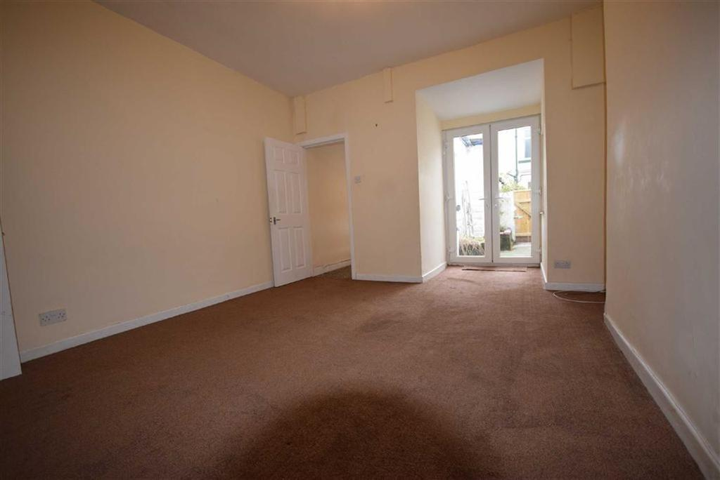 2 Bedrooms Terraced House for sale in Fife Street, Barrowford, Lancashire