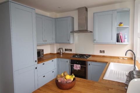 3 bedroom flat to rent - Avondale Place, Canonmills, Edinburgh, EH3 5HX
