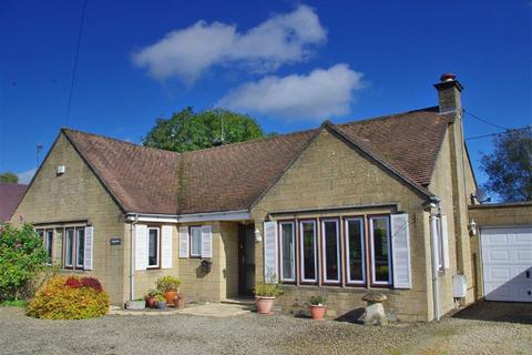 3 bedroom detached bungalow for sale - Rissington Road, Bourton-on-the-Water, Gloucestershire