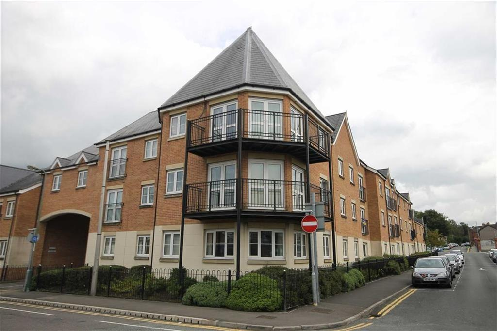 2 Bedrooms Apartment Flat for sale in Castle Mews, Caerphilly, CF83