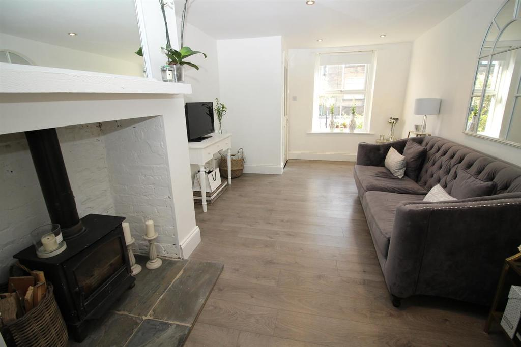 2 Bedrooms Terraced House for sale in Burnt Houses, Greenside, Ryton