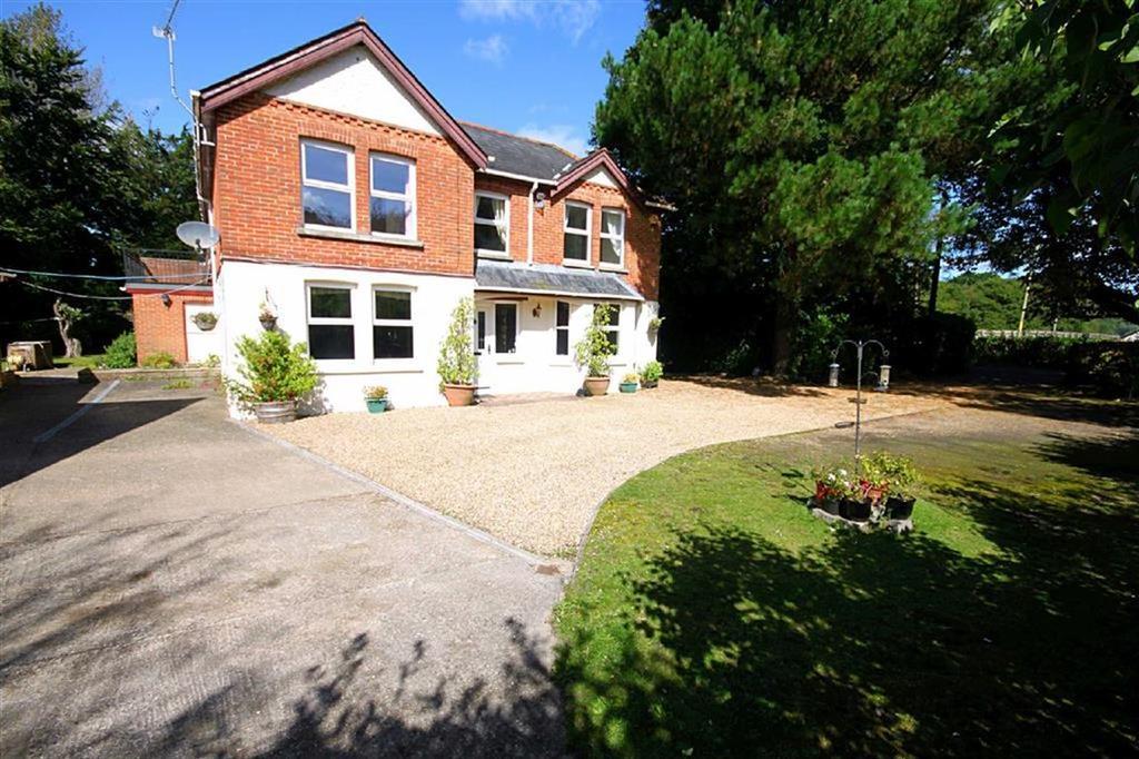 5 Bedrooms Detached House for sale in Grange Road, St Leonards