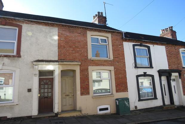 2 Bedrooms Terraced House for sale in Salisbury Street, Northampton, NN2
