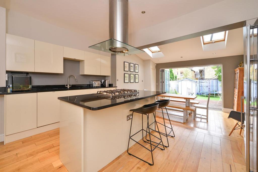 3 Bedrooms Terraced House for sale in Corsehill Street, Furzedown