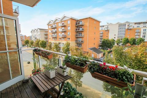 2 bedroom apartment for sale - Chandlery Way, Century Wharf, Cardiff Bay