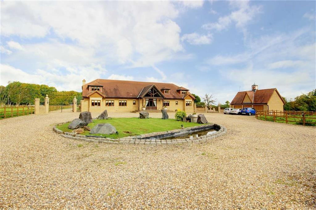 7 Bedrooms Detached House for sale in White Stubbs Lane, Broxbourne, Hertfordshire