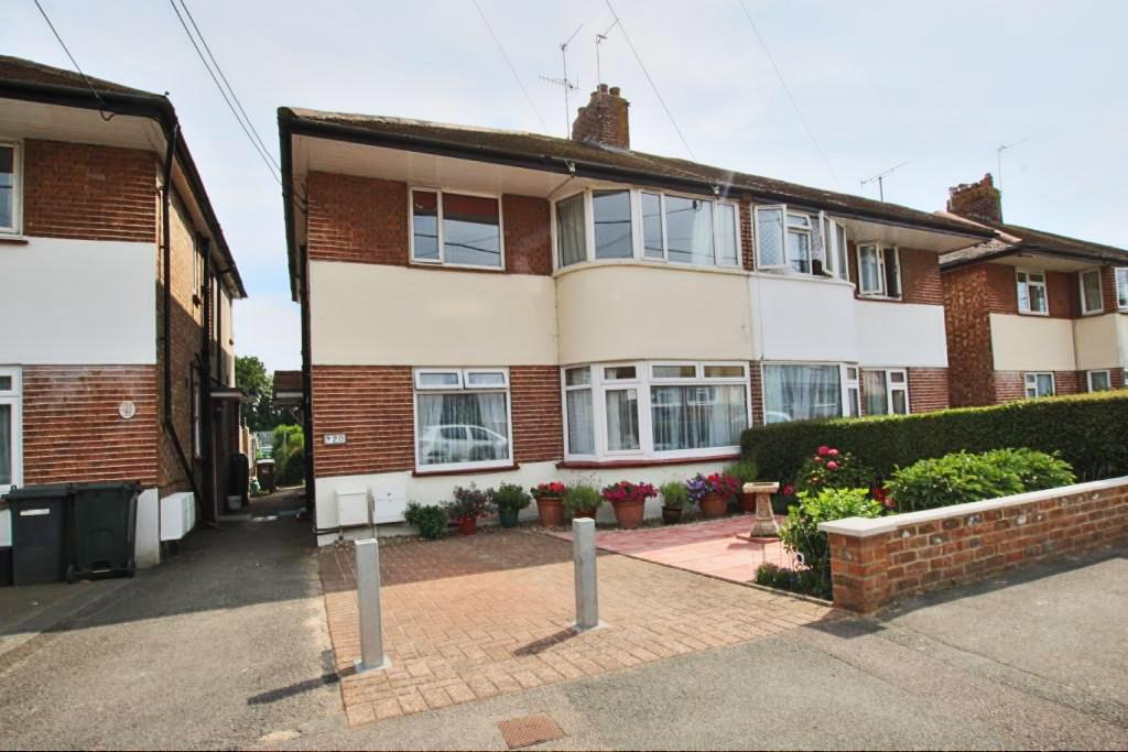 2 Bedrooms Flat for sale in Gilda Crescent, Polegate BN26