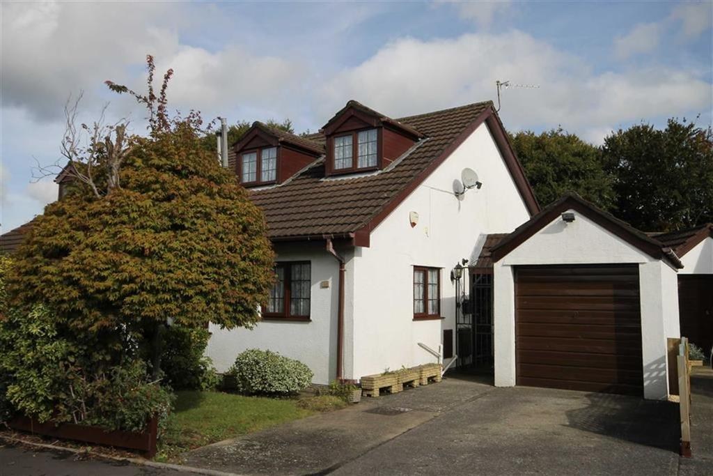 3 Bedrooms Semi Detached Bungalow for sale in Tollgate Close, Caerphilly, CF83