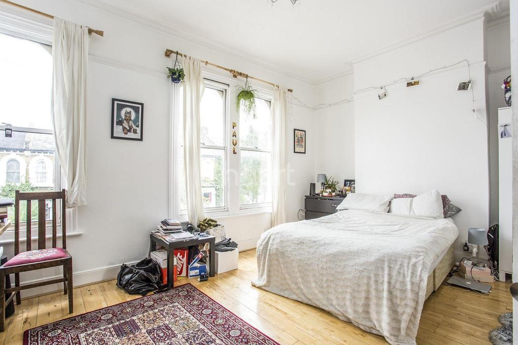5 Bedrooms Terraced House for sale in Crofton Road, SE5