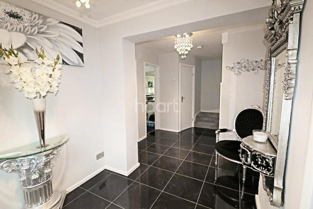 6 Bedrooms Detached House for sale in Grenville Close