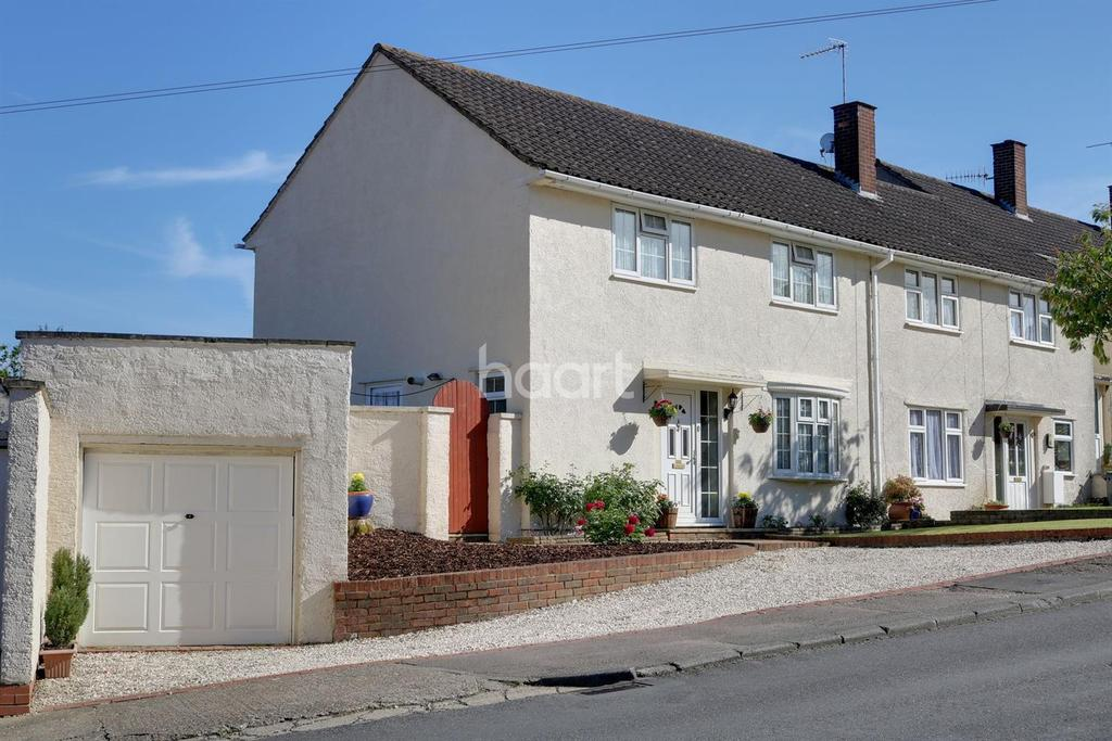 3 Bedrooms Semi Detached House for sale in Roseheath, HP1 2NB