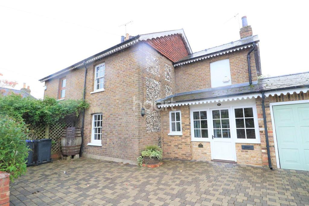 3 Bedrooms Semi Detached House for sale in Grove Cottage