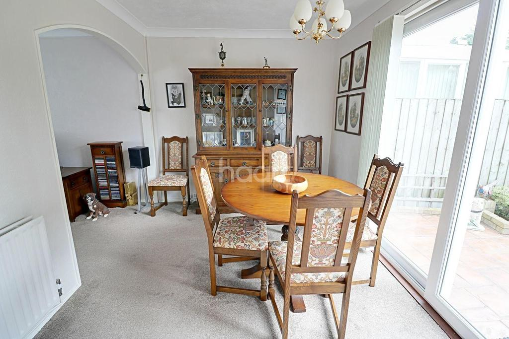 3 Bedrooms Semi Detached House for sale in Wilthorne Gardens