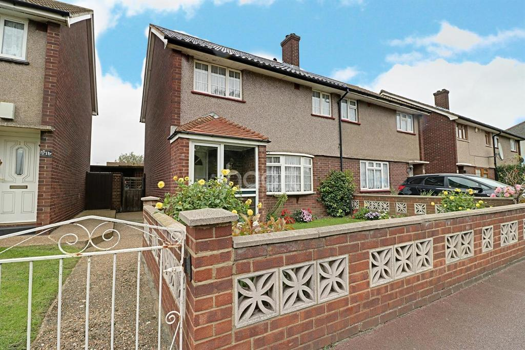3 Bedrooms Semi Detached House for sale in Aldborough Road