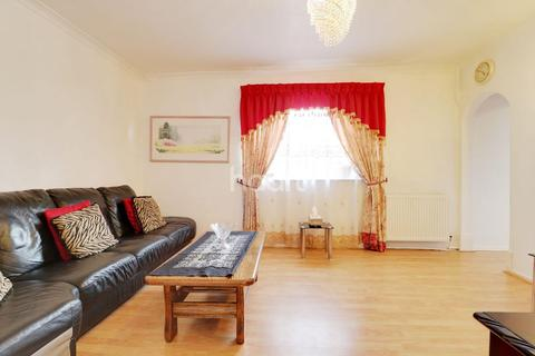 3 bedroom semi-detached house for sale - Tintagel Drive, Stanmore, HA7